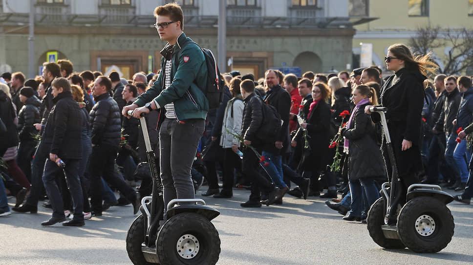 Почему власти Москвы хотят вписать транспорт на электротяге в ПДД