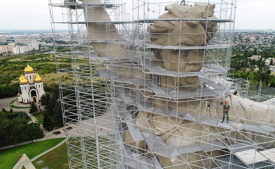 24 июля, Волгоград. Реконструкция монумента «Родина-мать зовет!» на Мамаевом кургане