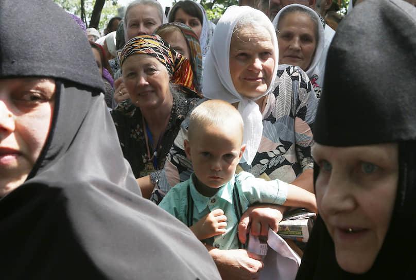 27 июля, Киев. Участники крестного хода Украинской православной церкви Московского патриархата по случаю 1031-летия Крещения Руси
