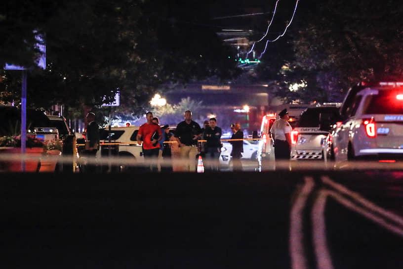 На следующий день, 4 августа неизвестный открыл стрельбу в одном из баров города Дейтон, штат Огайо