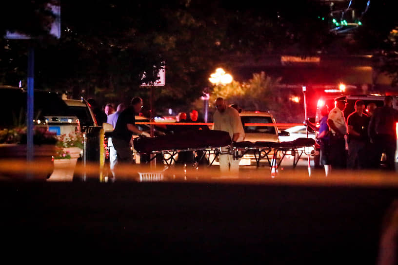 В результате инцидента погибли 10 человек, включая нападавшего, 16 человек пострадали и были госпитализированы