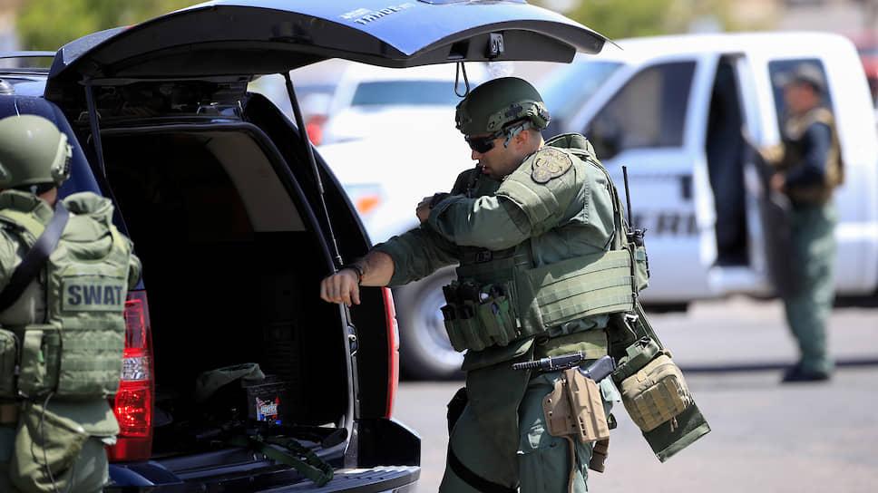 По информации СМИ, перед нападением подозреваемый опубликовал на своей странице в Twitter манифест в поддержку теракта в мечетях Новой Зеландии, который унес жизни 50 человек
