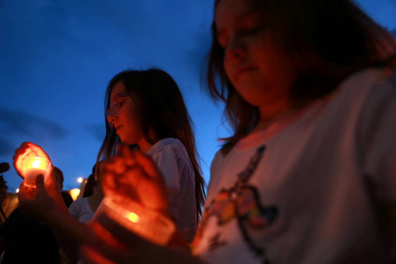 Среди погибших есть дети. По данным СМИ возраст жертв — от 2 до 83 лет