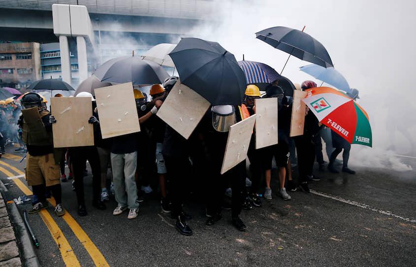 Тем не менее в Гонконге растут опасения, что этот хрупкий статус-кво может быть нарушен, в результате чего регион утратит свою уникальную идентичность <br> На фото: демонстрация 27 июля
