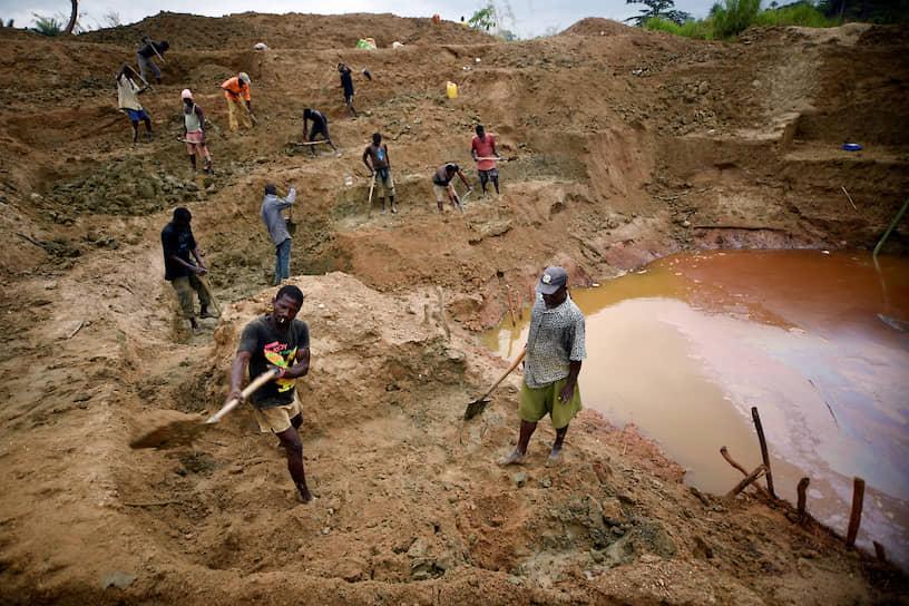Коиду, Сьерра-Леоне. Независимые алмазодобытчики на промысле