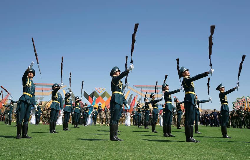 Отар, Казахстан. Военнослужащие на открытии Армейских международных игр-2019