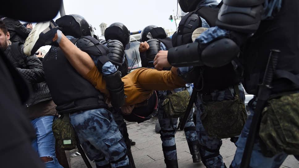 Как студенты РГГУ выступили против отчислений за митинги