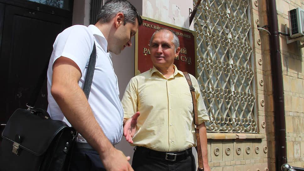 Основатель и бывший гендиректор банка «Кредит Экспресс» Михаил Колмыков (справа)