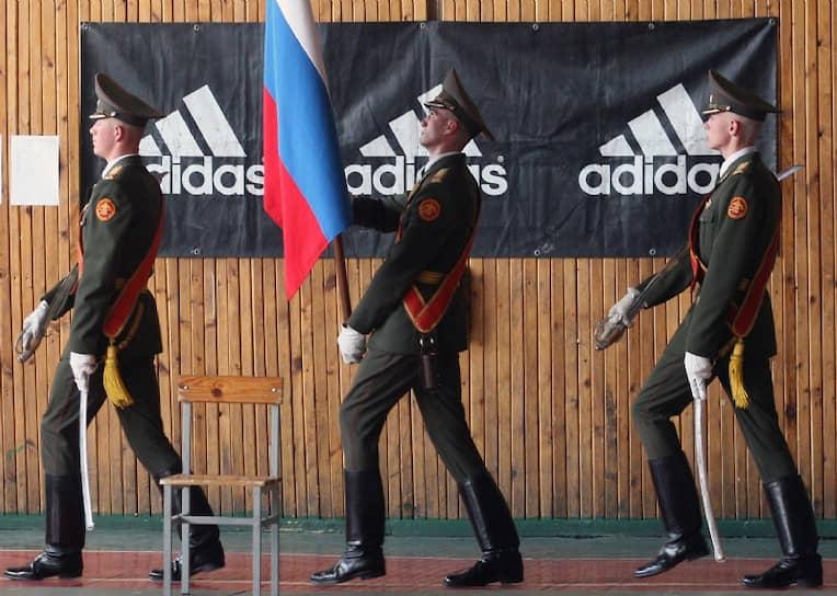 Армия сделает мужчиной, а Adidas — стильным мужчиной <br>Санкт-Петербург, 2008 год