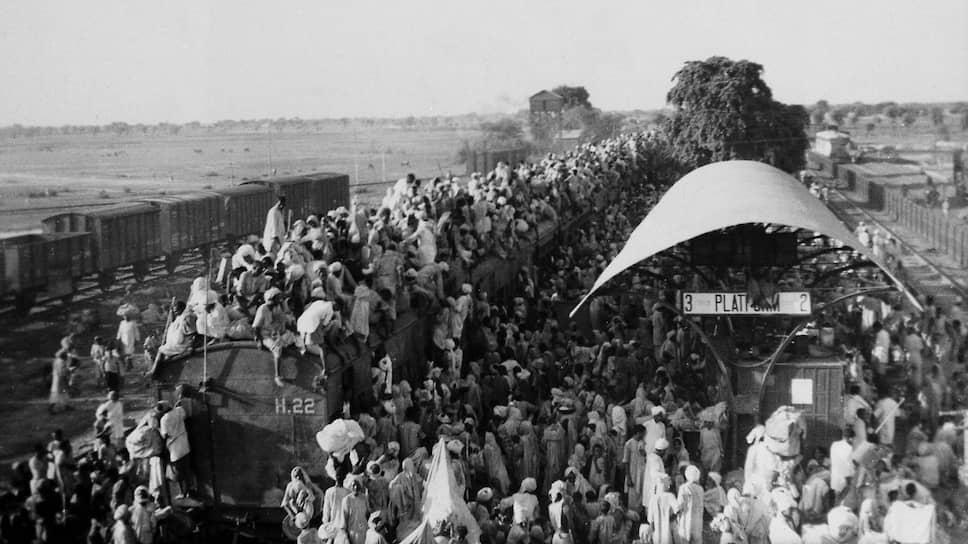 Мусульманские беженцы покидают Индию, направляясь в Пакистан, 1947 год