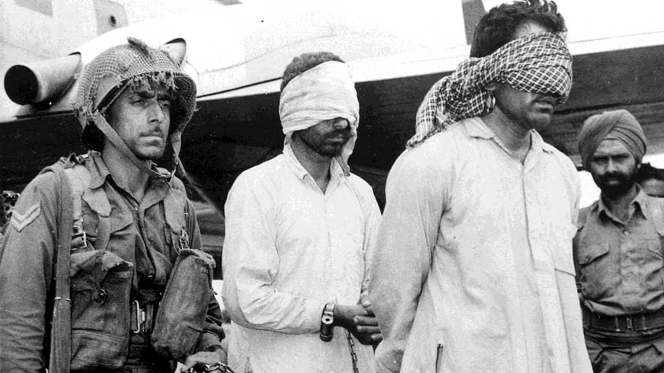 Захваченные индийскими военными пакистанские офицеры после столкновений в Кашмире, 1965 год
