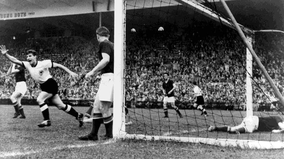 Матч ФРГ—Венгрия на чемпионате мира по футболу 1954 года, в котором немцы победили венгров со счетом 3:2