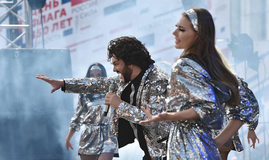Филипп Киркоров во время митинга-концерта на проспекте Сахарова