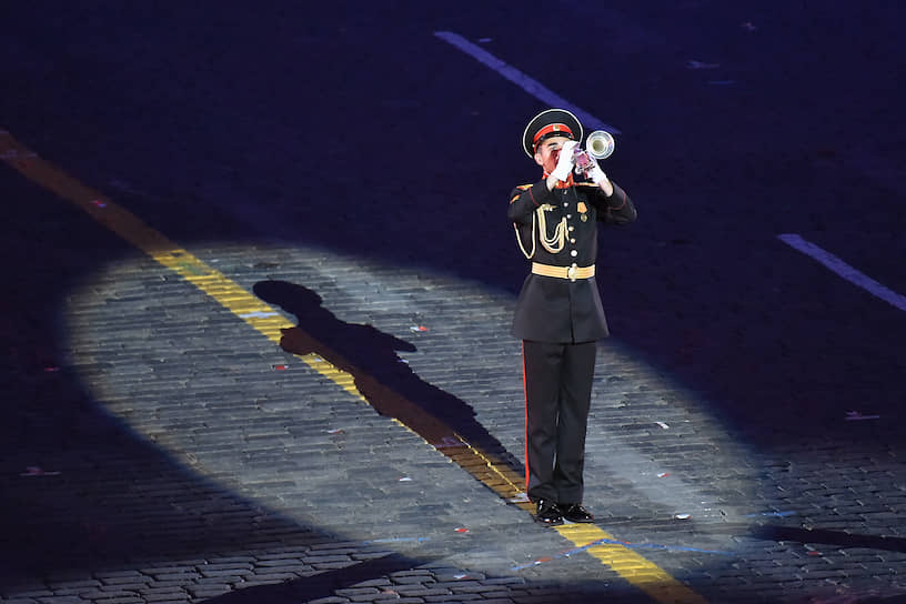 Тема нынешнего фестиваля была обозначена как «Соло с оркестром»