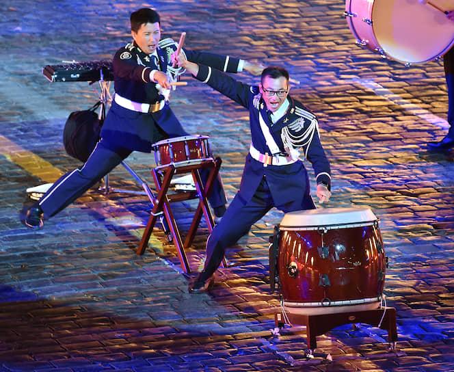Военные оркестры из КНДР, Японии, музыкальная группа «Хан-нури» из Республики Корея дебютировали на нынешнем смотре