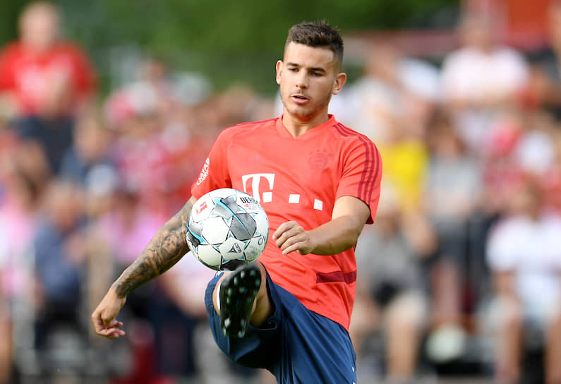 1 июля 23-летний французский защитник Лукас Эрнандес покинул «Атлетико» и перешел в «Баварию». Сумма трансфера — €80 млн