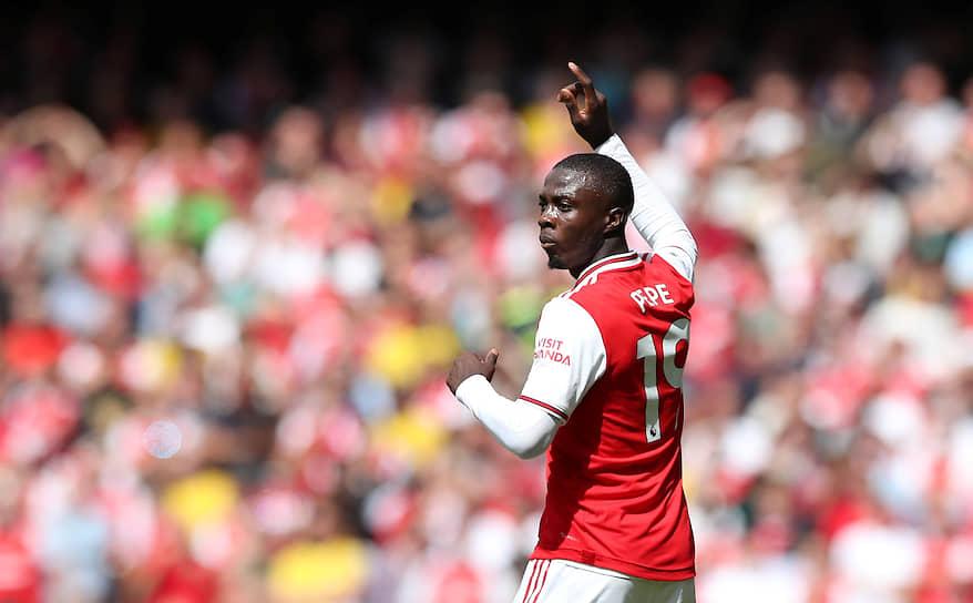 1 августа «Арсенал» приобрел 24-летнего ивуарийского нападающего Николя Пепе у «Лилля». Сумма сделки составила €80 млн