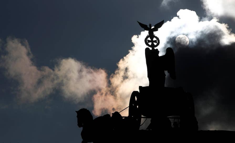 Берлин, Германия. Колесница на Бранденбургских воротах