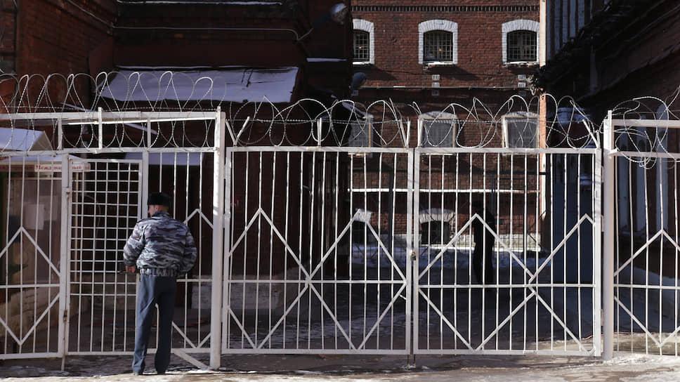 Как на подозреваемых в избиении заключенного в СИЗО «Кресты» завели уголовное дело