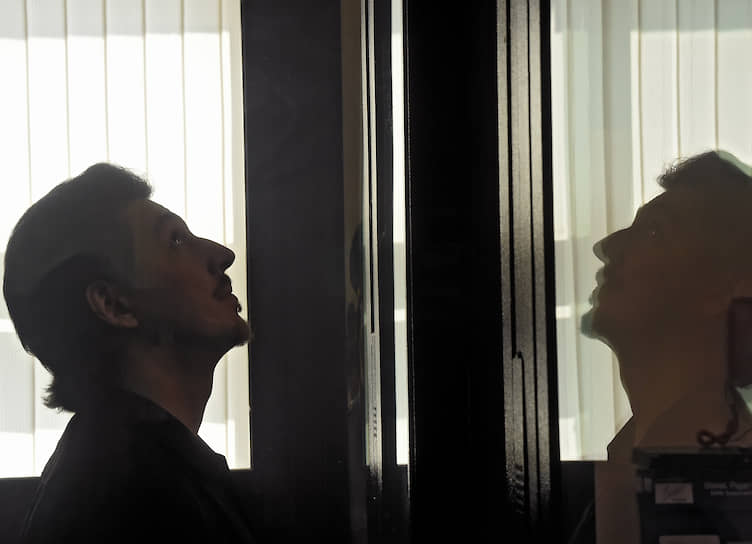 Москва. Приговоренный к трем годам колонии общего режима за насилие в отношении сотрудника Росгвардии Кирилл Жуков во время заседания Тверского районного суда