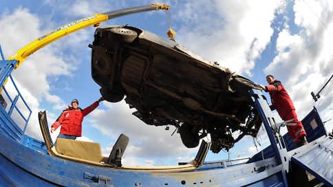 Споры по ОСАГО притираются к омбудсмену  / Автовладельцы учатся жаловаться по-новому