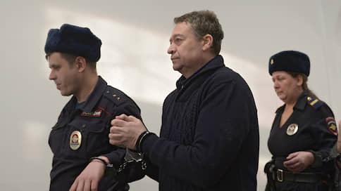 Доказательства взятки списали со счетов  / Возобновился процесс по делу экс-главы Марий Эл Леонида Маркелова