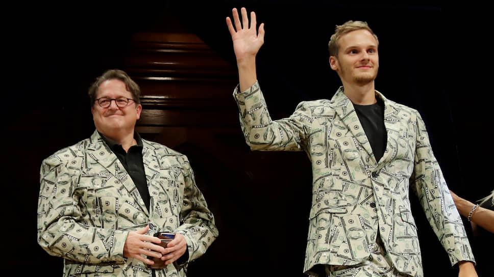 Андреас Фосс и его сын Тимоти получают Шнобелевскую премию по экономике