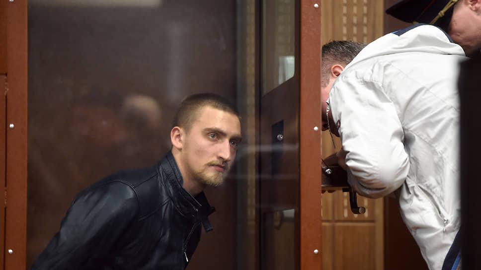 Как Павел Устинов получил 3,5 года колонии за травму росгвардейца на акции протеста