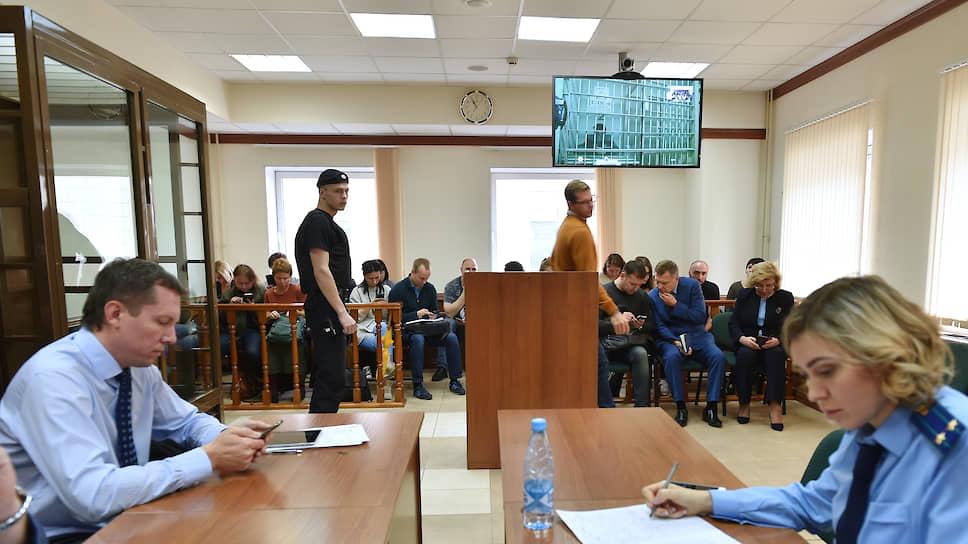 Рассмотрение ходатайства об изменении меры пресечения актеру Павлу Устинову в Мосгорсуде
