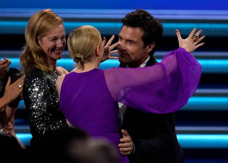 Номинированный в категории «Лучшая мужская роль в драматическом сериале» актер Джейсон Бейтман и победительница в номинации «Лучшая женская роль второго плана в драматическом сериале» актриса Джулия Гарнер. Оба получили номинации за сериал «Озарк»