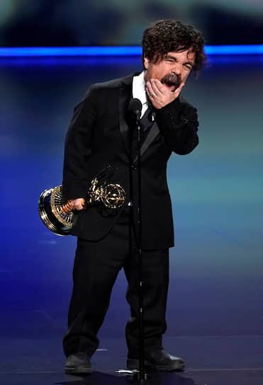 Актер Питер Динклэйдж получил награду в номинации «Лучшая мужская роль второго плана в драматическом сериале» за роль в «Игре престолов»