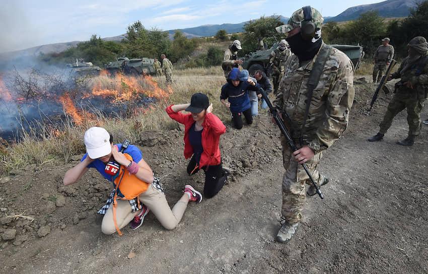 Имитация захвата группой террористов автоколонны с журналистами