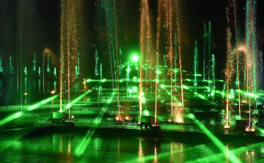 В 2018 году московский фестиваль «Круг света» попал в книгу рекордов Гиннесса в номинации «Самая обширная проекция на водную поверхность»