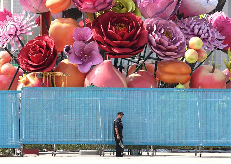 Пекин, Китай. Инсталляция к 70-летию основания КНР
