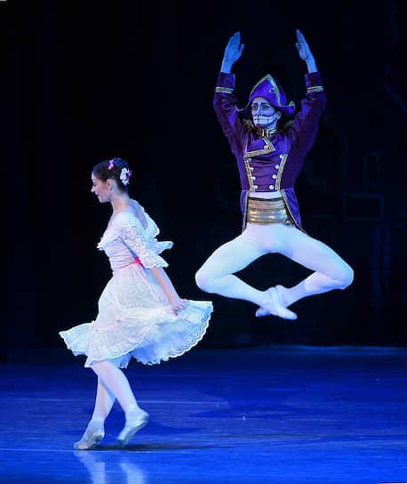 Москва, Россия. Спектакль «Щелкунчик» Баварского государственного балета (Германия) на сцене Государственного Кремлевского дворца