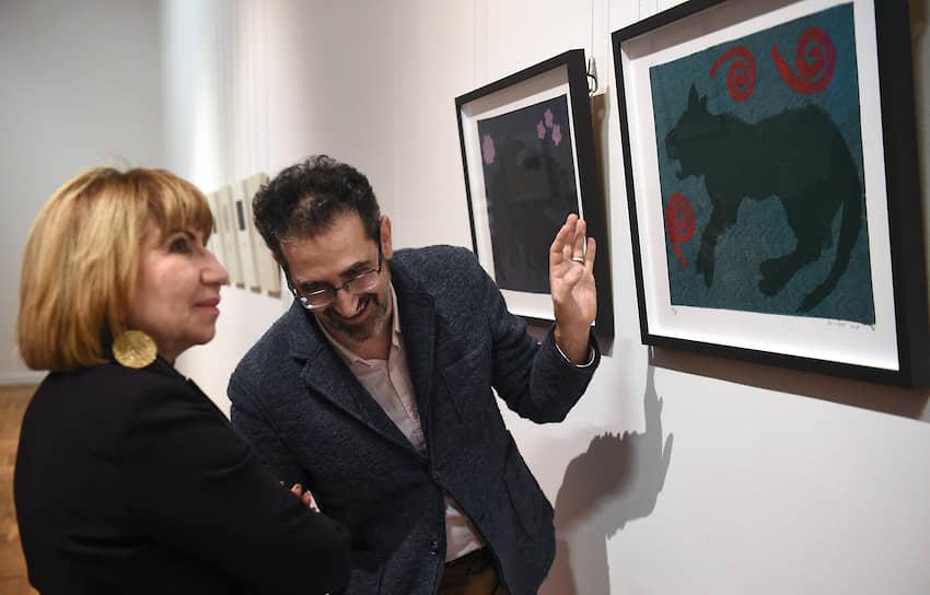 Куратор Антонио Джеуза во время церемонии открытия выставки «Очень важное сообщение» в Новой Третьяковке