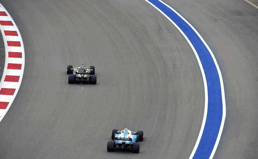В Кубке Конструкторов первые три места занимают: Mercedes — 571 очко, Ferrari — 409 и Red Bull — 311