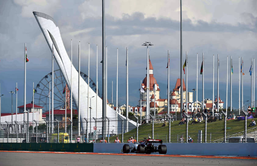 Российский гонщик, на счету которого 33 очка, потерял две позиции и занимает теперь 12-е место в чемпионате