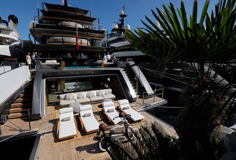 В этом году на яхт-шоу были показаны 42 новинки. В списке премьер: 55-метровая Vida от Heesen Yachts, 50-метровая Bintador от Tankoa Yachts и судно Madsummer от Lurssen