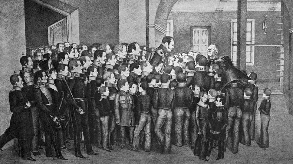 Питание в кадетских корпусах улучшилось, когда ими стал ведать великий князь Михаил Павлович (на рисунке с воспитанниками Павловского кадетского корпуса, 1838 год), называвший их воспитанников своей второй семьей