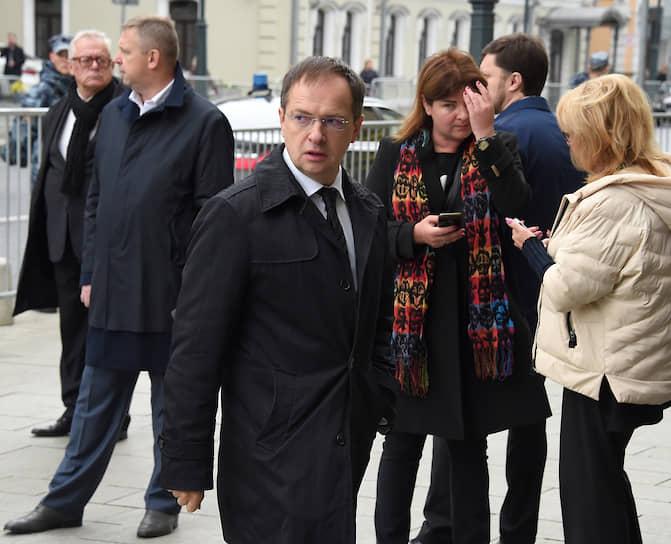 Министр культуры России Владимир Мединский (в центре)