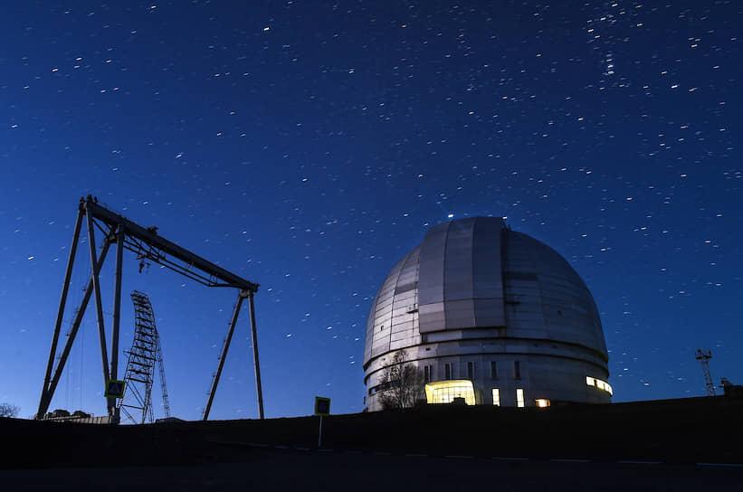 В горах Карачаево-Черкесии расположен крупнейший на территории России и Евразии оптический Большой телескоп азимутальный (БТА) с диаметром главного зеркала 6 м. Он начал работу в 1977 году и 17 лет был крупнейшим телескопом в мире
