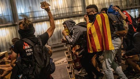 Барселона вышла за бывших лидеров