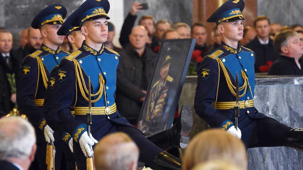 Прощание с Алексеем Леоновым состоялось на Федеральном военно-мемориальном кладбище в городе Мытищи Московской области
