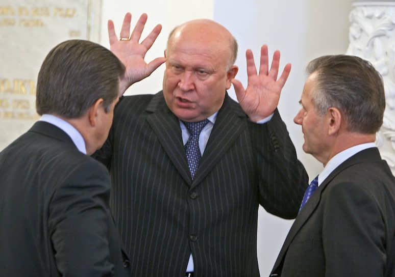 2008 год. Губернатор Нижегородской области Валерий Шанцев (в центре) перед началом заседания Госсовета по ситуации вокруг Южной Осетии и Абхазии