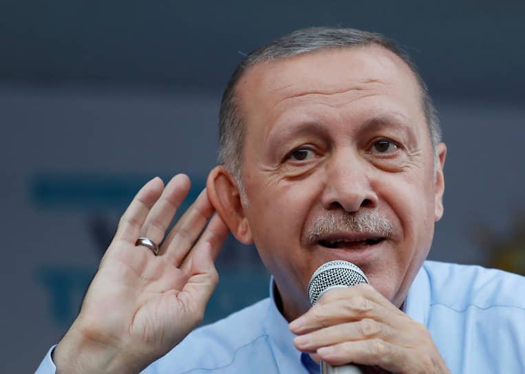 2018 год. Президент Турции Реджеп Тайип Эрдоган во время митинга в Мардине
