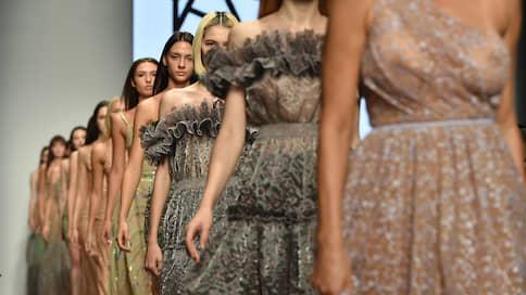 Сафари с пайетками  / Третий день Mercedes-Benz Fashion Week Russia