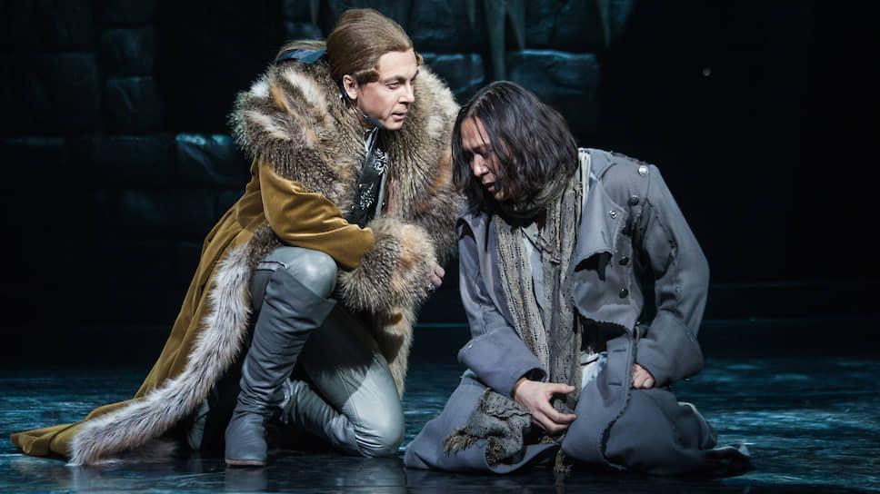 Сергей Ли (справа) и Игорь Балалаев в мюзикле «Граф Орлов»
