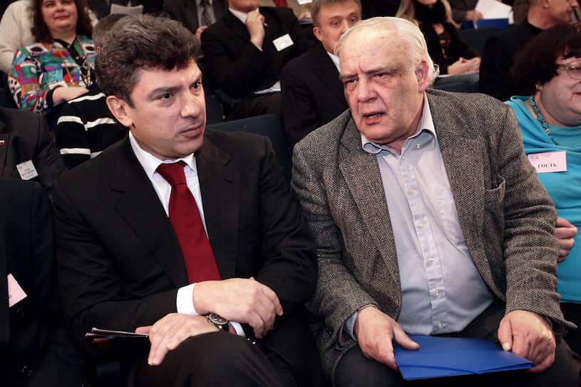 В апреле 1991 года Буковский посетил Москву по приглашению Бориса Ельцина, в 1992 году выступал в Конституционном суде на процессе по «делу КПСС»