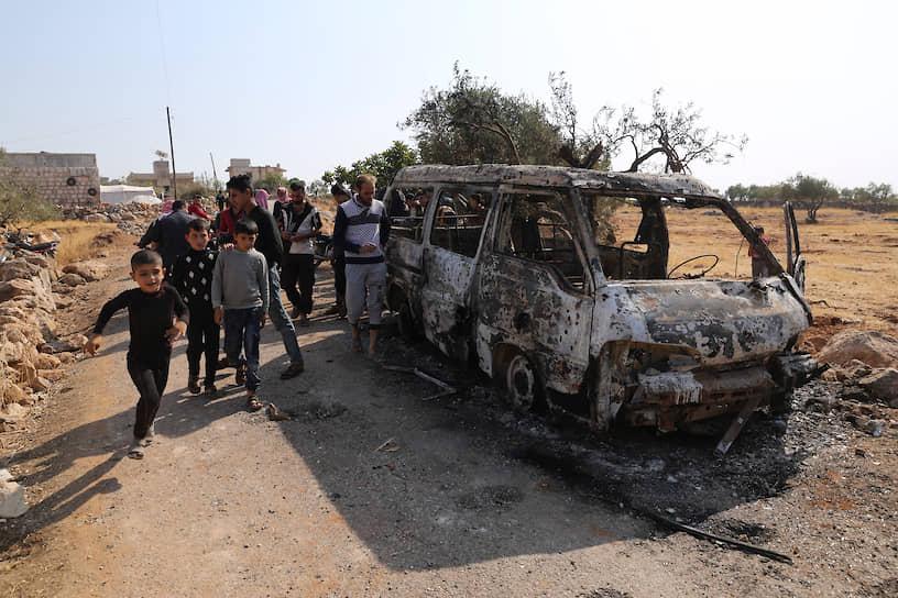 Обнаружить аль-Багдади удалось благодаря одному из его ключевых помощников, сообщило Reuters со ссылкой на сотрудников иракской службы безопасности. The New York Times рассказала, что спецслужбы США получили информацию о местонахождении террориста №1 с помощью допроса одной из его жен и посыльного